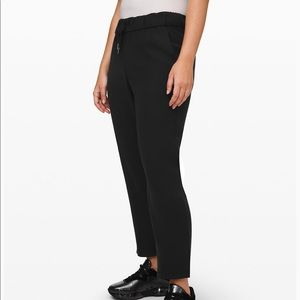 """Lululemon On the fly 7/8 Pant *woven 25"""""""
